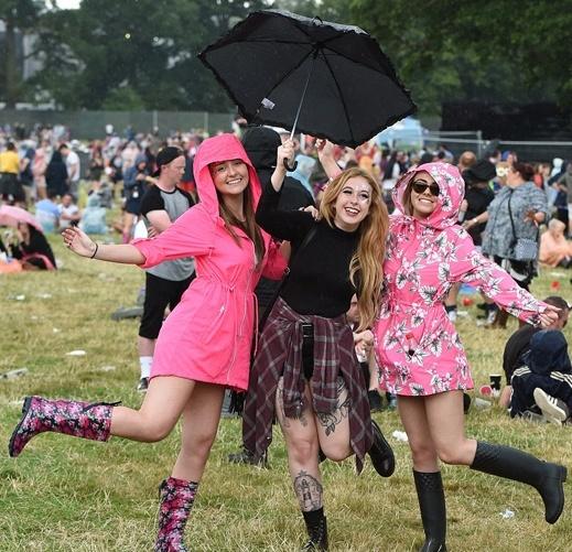 Als het regent op een festival